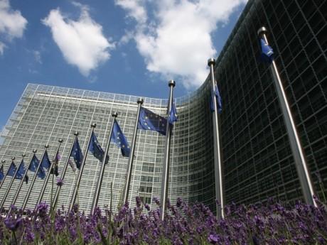 Un comisar european vrea controlul rețelelor sociale: 'Războiul viitorului nu va mai fi cu tancuri'