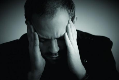 De ce devin românii DEPRESIVI: Care sunt simptomele afecțiunii