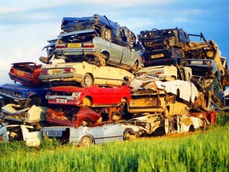 Statul dă 10.000 de euro pentru cei care-și cumpără mașină nouă: Care e condiția