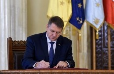 klaus iohannis semneaza decrete