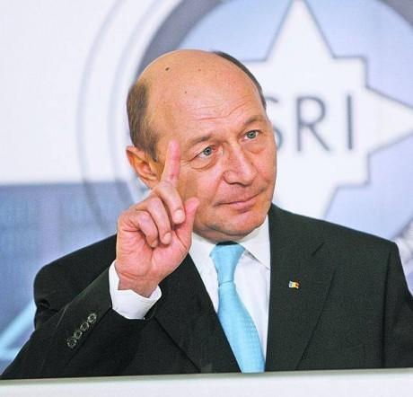 Traian Băsescu, mesaj pentru șeful PSD: 'Dragnea, vorbeşti cu tupeu despre lovitura de stat'