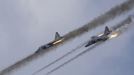 Rusia a luat cu ASALT obiective ale Statului Islamic: ATENTAT cu maşină-capcană într-o tabără