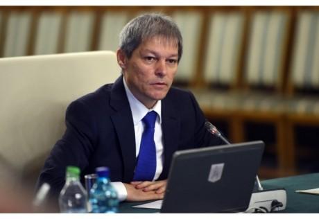 Dacian Cioloș le răspunde cârcotașilor: Cum să vorbim de o acțiune de imagine
