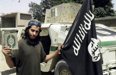 Doi suspecţi ai atentatelor au fost predaţi Franţei de către Austria