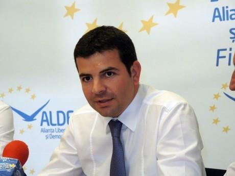 S-a cerut RETRAGEREA sprijinului politic pentru Daniel Constantin
