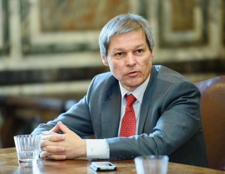Cioloș îi mulțumește unui român pentru spiritul civic, după un mesaj pe Facebook