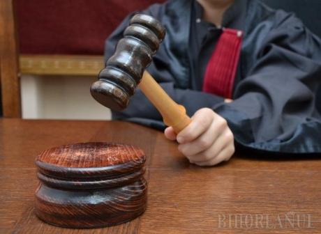 Fost primar, trimis în judecată