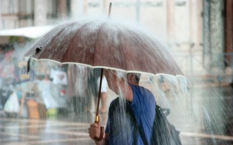 ALERTĂ - Informare de precipitații, vânt și brumă: De când este valabil anunțul meteorologilor