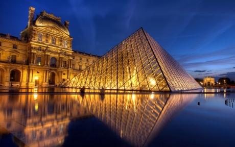Turismul francez suferă pe fondul ameninţărilor teroriste