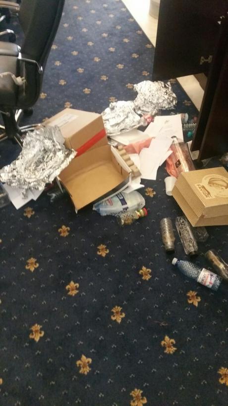VIDEO+FOTO - Situație absolut HALUCINANTĂ în Senat