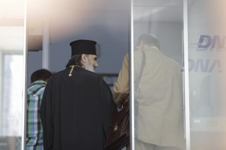 DOCUMENT Cum a ajuns DNA să ancheteze un înalt ierarh al Bisericii Ortodoxe. DETALII șoc