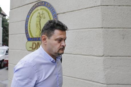 CUTREMUR în MAI: Șeful 'Doi și-un sfert', urmărit penal de DNA