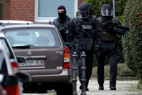Germania. Unul dintre poliţiştii răniţi în atacul armat de ieri A MURIT