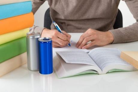 Efectele cu potențial nociv asociate consumului de băuturi energizante nu ar fi cauzate de cofeină