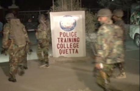 Alertă în Pakistan: Sute de cadeţi au fost luaţi ostatici de mai mulţi jihadişti kamikaze / VIDEO