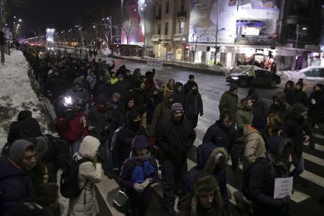 INCIDENTE între protestatari, jandarmi și jurnaliști/ VIDEO