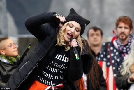 Madonna, anchetată de Secret Service după ce a declarat că vrea să arunce în aer Casa Albă/ VIDEO