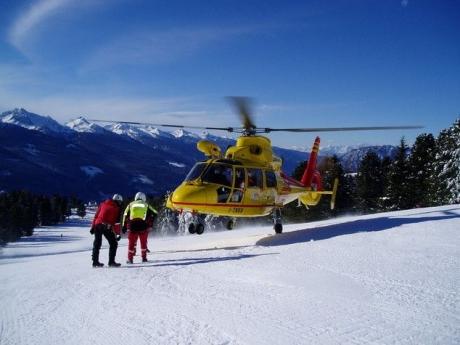 Elicopter PRĂBUŞIT în Italia. Nu se ştie nimic de soarta pasagerilor - VIDEO