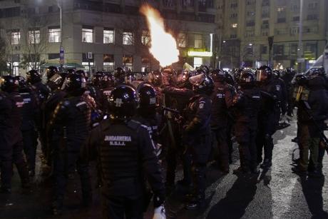 Sindicaliștii AMENINȚĂ guvernul cu o NOUĂ REVOLUȚIE: De ce s-au supărat