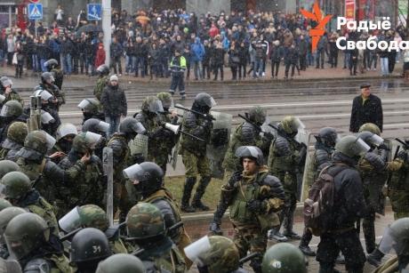 A început REVOLUȚIA în Belarus: Sute de arestări și violențe în urma protestelor / VIDEO