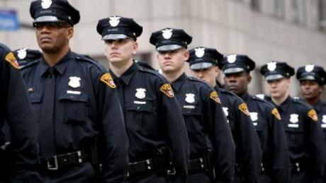 Poliţişti americani în avertizează pe Trump că ar putea pune în pericol siguranţa publică