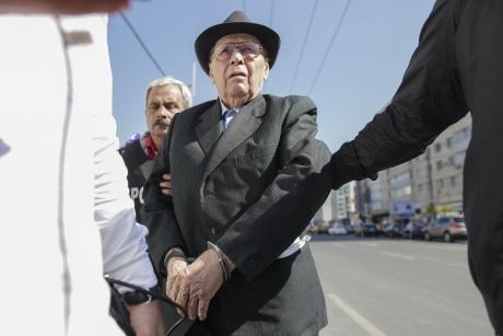 Torționarul Ion Ficior, SĂLTAT de poliție: este dus la Rahova/VIDEO
