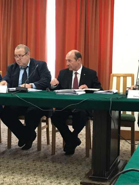 Traian Băsescu trage semnalul de alarmă: mesaj dur pentru Grindeanu și Lazăr