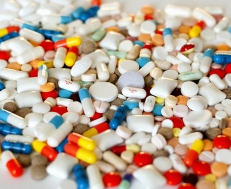 Aceeași întrebare de ani de zile: unde dispar medicamentele pentru bolile noastre și de ce? Vinovatul de serviciu este exportul paralel
