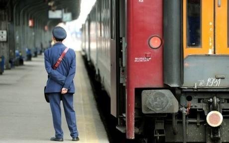 Un controlor de tren a fost prins fără mască de protecție: 'În România nu există nicio epidemie, iar cei care au măști le poartă de proști'