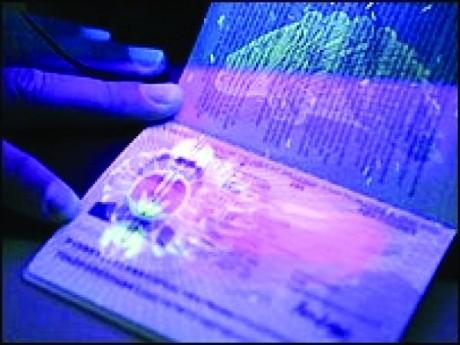 Anunț de ULTIMĂ ORĂ al MAI: Trei sedii ale Pașapoartelor se închid pentru a fi deschis unul într-un mall