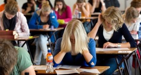 Elevii care vor susţine Bacalaureatul la toamnă vor fi pregătiți gratuit de profesori, în sectorul 4 din București