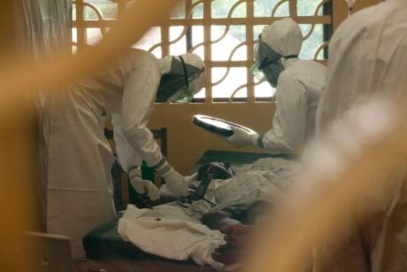 Ebola face ravagii în Congo - A doua ce mai mare epidemie din istorie a ajuns într-un oraș cu un milion de locuitori
