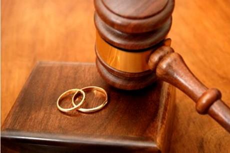 Divorţul anului s-a OFICIALIZAT: Un fost sportiv s-a despărţit de soţia vedetă - prima reacţie a cântăreţei / FOTO