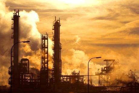 Raport îngrijorător în privinţa industriei: Şi-a revenit uşor în februarie, dar începutul de an rămâne slab