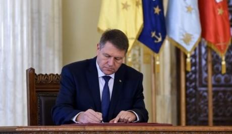 Klaus Iohannis a semnat pentru numirea a trei noi ambasadori