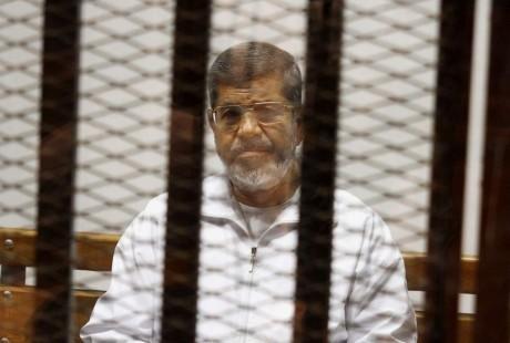 Fostul preşedinte islamist Mohamed Morsi moare după şase ani în închisoare. Avocat: 'Alţi deţinuţi ne-au făcut semn că nu mai avea puls'