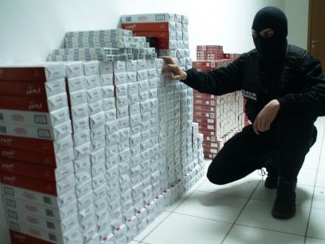 Piața neagră a țigărilor: Contrabanda depășește 10% în România