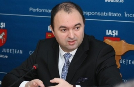 Fost ministru PNL al Educației acuză un 'BLAT' cu PSD, la Iași: Primarul Mihai Chirica ar fi bătut palma cu liberalii
