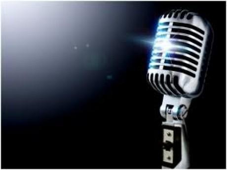 Lovitură în showbizz! Un cântăreţ român celebru, acuzat de hărţuire sexuală