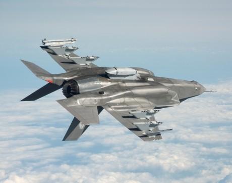 Turcia le cere SUA să revină asupra deciziei de a o exclude din programul pentru avioane F-35