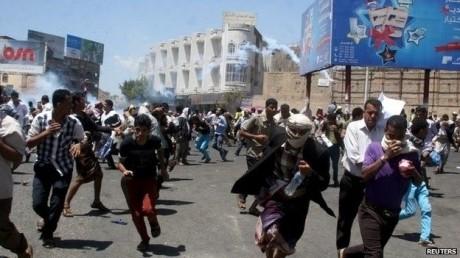 Armistițiul sub egida ONU din Yemen nu are niciun efect - Confruntări armate violente şi bombardamente la Hodeida