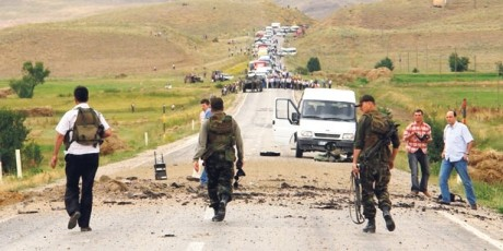 Confruntări între forțele turce și PKK - Patru militari turci au fost uciși