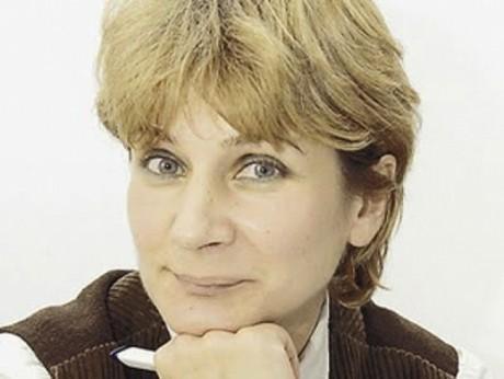 Andreea Pora desființează meciul dintre ÎCCJ și CCR - avertisment pentru România: 'Dragnea dă partidul pe libertate. E bombonica otrăvită'