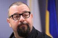 Primarul Sectorului 4, Cristian Popescu Piedone face declaratii de presa, dupa intalnirea primarului general al Capitalei, Sorin Oprescu cu primarii si viceprimarii de sector, in Bucuresti