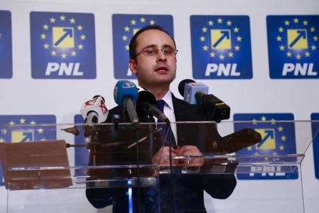 Bușoi îi vrea reactivați pe Crin Antonescu, Valeriu Stoica și Theodor Stolojan