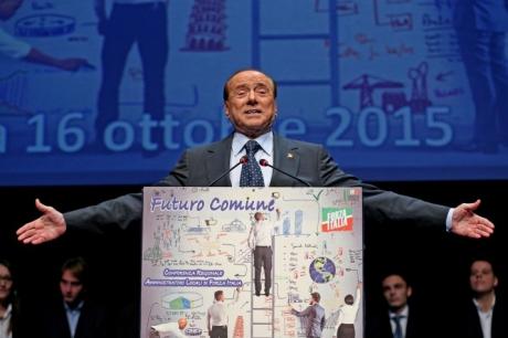 Silvio Berlusconi vrea SĂ BLOCHEZE Italia: Decizia RADICALĂ a fostului premier