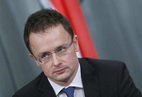 Problema cotelor obligatorii de migranţi este acum în afara agendei Uniunii Europene, afirmă Peter Szijjarto