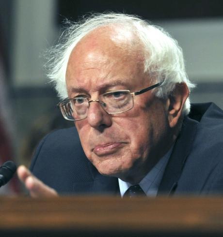 Lupta pentru Casa Albă se aprinde! Trump sugerează că adversarii lui Bernie Sanders au dezvăluit informaţii despre susţinerea Rusiei