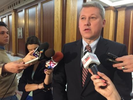 VIDEO Ministrul Justiției recunoaște: Medicii și-au împărțit cu judecătorii stocul de echipamente de protectie anti-Covid