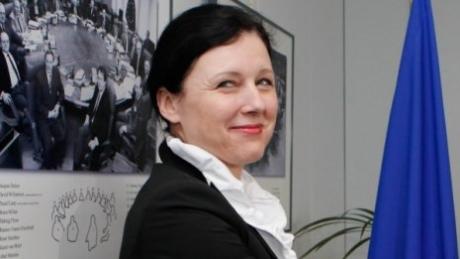 Schimbarea guvernelor, motive de IRONIE pentru oficialii europeni: Sperăm că măsurile pe care le convenim acum cu autorităţile vor dura mai mult decât guvernele